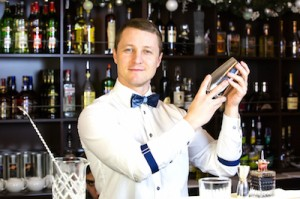 Bartender | Wedding Bartender | The Estate