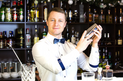How to Hire a Bartender for Your Event | The Estate